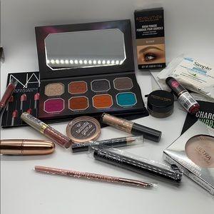 ♥️ EVERYTHING Cosmetics Bundle
